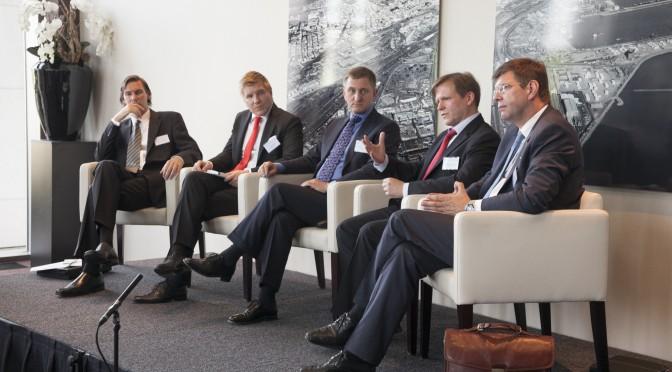 V.l.n.r.: Andreas Turnsek, Helmut Fuchs, Prof. Dr. Gerhard Nowak, Elmar Niederhaus und Prof. Dr. Burghard Hermeier. Foto: Jörg Zaber von Zaber Images Düsseldorf.